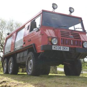 Pinzgauer 718MK Front Right